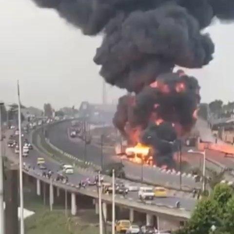 Fuel tanker explodes at Otedola Bridge