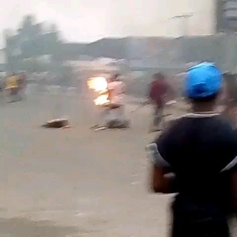 Unrest in Rukpokwu community of Rivers State as young Keke driver is allegedly shot dead by a policeman over N100