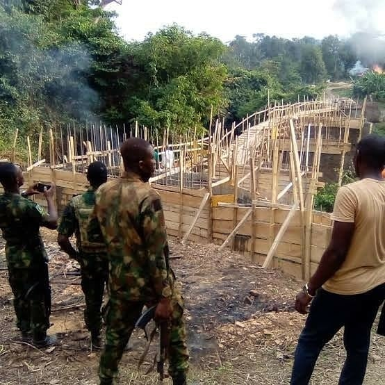 "Ogun government to demolish secret bridge constructed by unknown persons in a forest in the state  The Ogun state government has ordered the demolition of a bridge constructed by unknown persons in a forest in the state.  The bridge was reportedly built across Oluwo river to link Omo Forest in Area J4 to a village in Ondo State.  The Ogun state government referred to the construction of the bridge as ""illegal"" and asked for it to be demolished.  The bridge is suspected to have been constraints by illegal loggers, who have been engaging in illegal felling of trees.  On Saturday, Jan 9, the state Commissioner for Forestry, Hon. Tunji Akinosi led a monitoring team to Laagan village where he saw the 50-metre long bridge.  In a statement, the Information Officer of the Ministry, Soji Solarin, stated that the Commissioner ordered that the bridge, which is almost completed, be destroyed within two weeks.  According to Akinosi, those constructing the bridge were doing so to easily transport stolen state's forest resources by illegal loggers and have them taken away to neighbouring states.  He disclosed that some unscrupulous elements are behind the illegal bridge, saying it must have gulped about N15 million to N20 million.  He threatened to arrest and prosecute settlers keeping illegal arms to perpetrate crimes in the area.  ""Armed soldiers would remain part of the frequent monitoring exercises in order to prevent banditry which is becoming prevalent nationwide,"" he said."