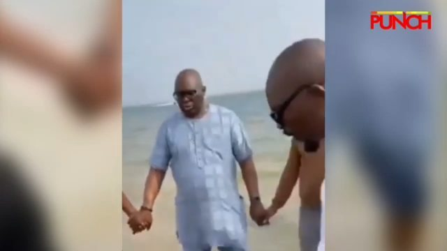 Ex-Ekiti Gov Fayose, Siblings Hold Prayer Session At Bar Beach --- The former Governor of Ekiti State, Ayodele Fayose and his family seen praying at the beach