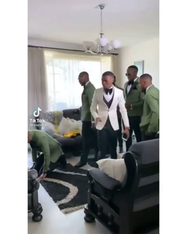 The groom and his men committing the day of the wedding into God's hands. I love this, always put God first. A spiritual man, a prayerful, sincere dedicated man is what you single ladies will get in Jesus name. A man that will appreciate and adore you. Say AMEN Oo!